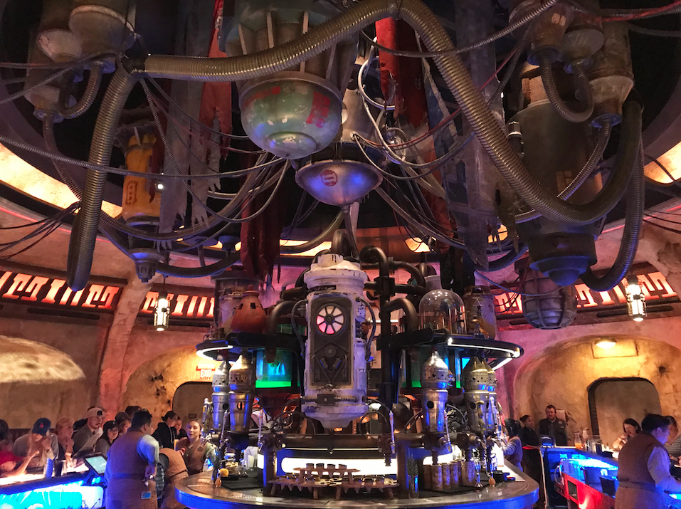 Oga's Cantina - view of the bar